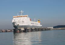 Ro-ro schip Melusine aan de steiger bij Cobelfret ferries.