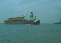LNG tanker in de Braakmanhaven.