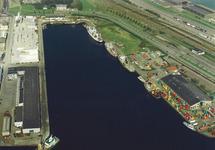 Luchtfoto Eerste Binnenhaven te Vlissingen.