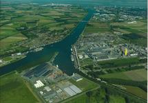 Luchtfoto Kanaal Gent Terneuzen, punt Axelse Vlakte, Avesta, Yara.