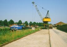 Overslagwerkzaamheden bij de Axelse Sassing aan zijkanaal C.