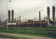 Trein met wagons op het bedrijfsterrein van Dow Chemical. Foto gemaakt...