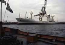 Zeeschip Mediteran Frigo aan de Sloekade in Vlissingen-Oost.