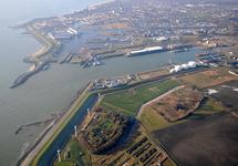 Buitenhaven Vlissingen. Op de achtergrond de Eerste en Tweede...