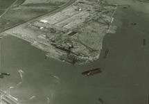 Luchtfoto van Pechiney Nederland N.V. te Vlissingen-Oost.