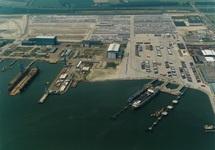 Bouwrijp maken terreinen en aanleg steigers voor Cobelfret aan de...