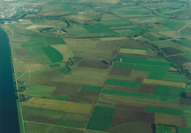 Luchtfoto toekomstig haven- en industriegebied Axelse Vlakte.