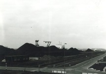 Kruising Noorwegenweg met de Engelandweg bij de terminal van Ovet aan...