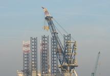 Werkschip Pacific Orca bij de BOW Terminal in de Westhofhaven.