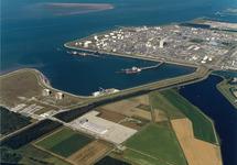 Luchtfoto Mosselbanken, Logistiek park en Braakmanhaven. Op de...