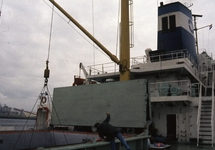 Zeeschip Mediteran Frigo aan de Sloekade in de haven van...