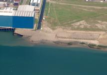 Luchtfoto van Vlissingen-Oost met links Techno Metal Industry,...