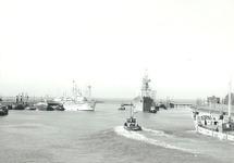 De Buitenhaven van Terneuzen met veel scheepvaart.