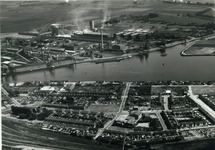 Cokesfabriek en Nederlandse Stikstof Maatschappij (NSM) in Sluiskil....