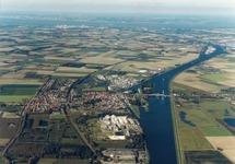 Luchtfoto Kanaal Gent-Terneuzen bij Sas van Gent.