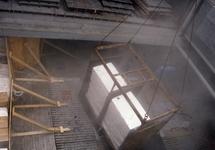 Loswerkzaamheden in het ruim van een zeeschip.