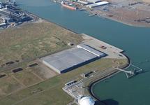 Luchtfoto Vlissingen-Oost van de hoek Quarleshaven met onder Vopak en...