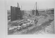 Reproductie van een foto ca. 1907 van de bouwput van de nieuwe...