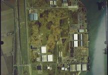 Luchtfoto Sloegebied, terreinen achter de Sloekade, Engelandweg.