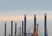 Werkschepen, waaronder de Aeolus, in de Westhofhaven te Vlissingen.