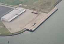 Kade voormalig FMT (Flushing Marine Terminal) aan de Quarleshaven.