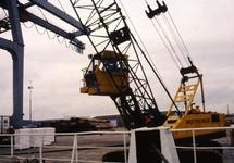 Kraan van Westerschelde BV Stevedoring Company in de haven van...