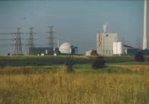 Kerncentrale en kolencentrale van de EPZ te Vlissingen-Oost.