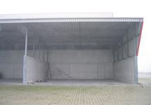 Foto's van terrein, loodsen en kade FMT-terrein.