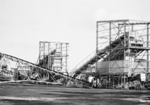Installaties voor het sorteren en transporteren van kolen op de...