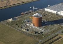 Nieuwbouw suikersilo bij Zeeland Sugar Terminal.