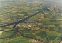 Luchtfoto Nederlandse Stikstof Maatschappij (NSM) en Cokesfabriek met...