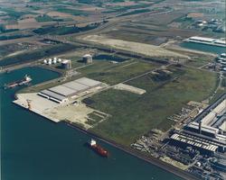 Luchtfoto Flushing Marine Terminal aan de Quarleshaven te...
