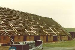 Herstelwerkzaamheden dak boerderij Akkerweg.