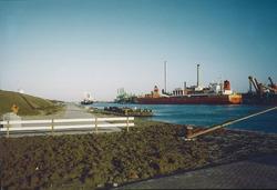 Kade bij Outokumpu Steel Processing op de Axelse Vlakte 1993/1994