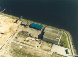 Luchtfoto van Electro Technisch Buro Zeeland B.V. (later Istimewa) aan...
