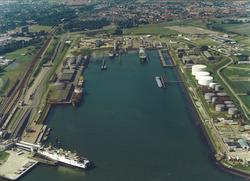 Luchtfoto Buitenhaven Vlissingen.