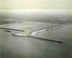 Oosthavendam met 85 ha terrein en zijhaven in januari 1965