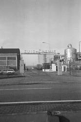 Fabriek van Zuid-Chemie aan de Westkade te Sas van Gent.