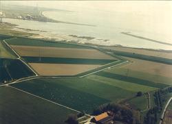 Luchtfoto van de havenmonding van het havengebied Vlissingen-Oost.