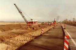 Het maken van een wegaansluiting van de N252 met het industrieterrein...
