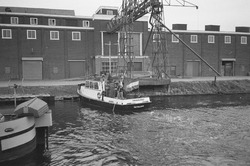 Peilvlet H.T. 1 van het Havenschap Terneuzen aan het werk in Zijkanaal...