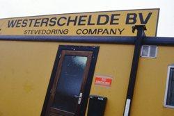 Portocabin van Westerschelde BV, Stevedoring Company in de haven van...