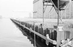 Damwand Zijkanaal D nabij Graanhandel De Feijter.