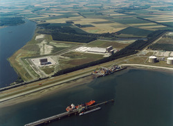 Luchtfoto Braakmanhaven, Zeeland Container Terminal en logistiek park...
