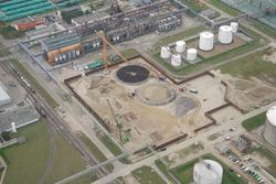 Bouwen van twee opslagtanks bij Vesta Terminal Flushing B.V. aan de...