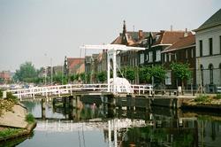 Ophaalbruggetje over het Zijkanaal H, Oostkade te Sas van Gent.
