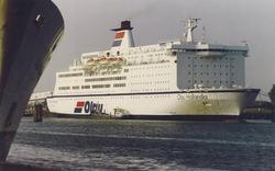 Het schip Olau Hollandia van de Olau Line in de Buitenhaven.
