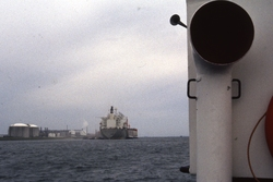 Zeeschip in de haven van Vlissingen-Oost.