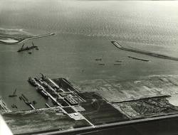 Luchtfoto Koninklijke Maatschappij De Schelde te Vlissingen-Oost.