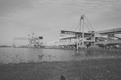 Bulkterminal van Aug de Meyer in de Zevenaarhaven.
